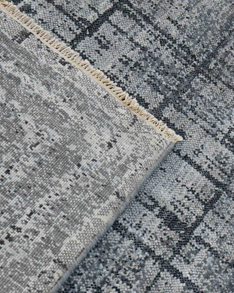 avant-garde-dazzle-design-tapijt-luxe-moderne-exclusieve-design-tapijten-luxe-vloerkleden-zijde-antraciet-grijs-zwart-302x244-koreman-maastricht-4254-hoek
