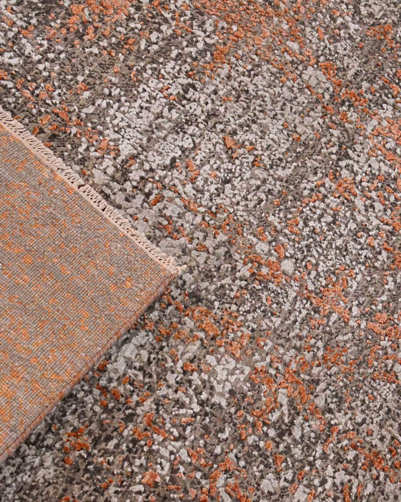 bentayga-design-tapijt-luxe-moderne-exclusieve-design-tapijten-luxe-vloerkleden-zijde-roest-goud-oranje-creme-300x241-koreman-maastricht-4253-hoek
