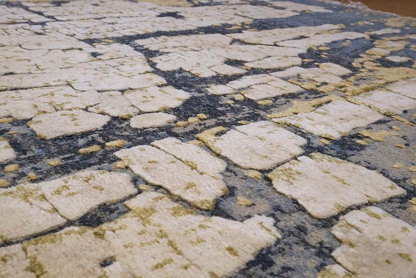 chelsea_design_oxidised_tapijt_moderne_tapijten_koreman_maastricht_305x244_blauw_creme_beige_detail2